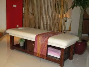 solid wood massage bed spa massage bed from china guangzhou zhuolie industrial trading co ltd