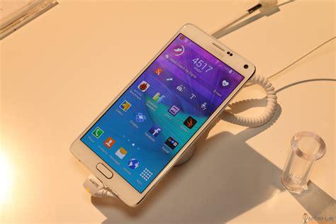 Samsung Galaxy Note 4 Vs Samsung Galaxy S5 Samsung Galaxy Note 4 Vs Galaxy S5 Side By Side Comparison Mobile Geeks