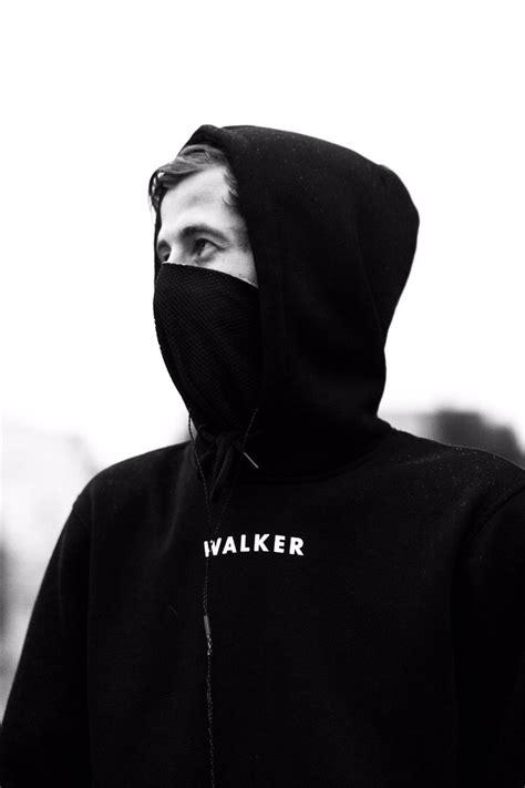 alan walker uh alan walker on twitter quot w a l k e r https t co js4o3yffgm quot