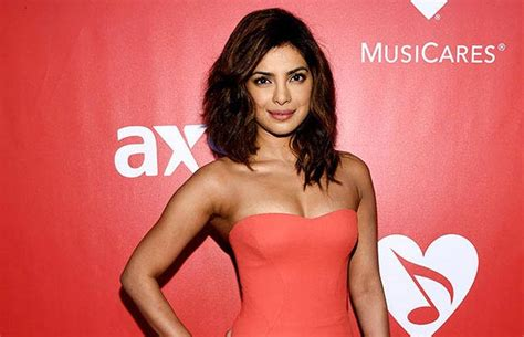 actress name in quantico quantico priyanka chopra nominated for people s choice awards