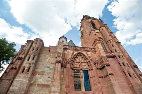 wann ist eine kirche ein dom eine einzigartige kirche der wetzlarer dom ist in jeder hinsicht ein au 223 ergew 246 hnliches bauwerk