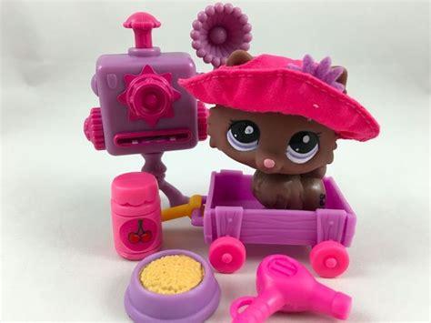 lps pomeranian littlest pet shop chocolate brown pomeranian 2449 w hat accessories hasbro