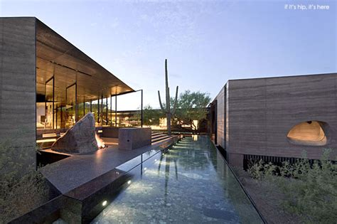 a desert courtyard house made of dirt 50 fab photos if it s hip it s here