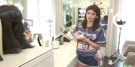 kylie jenners bedroom 5 of the kylie est reveals from kylie jenner s glam room tour