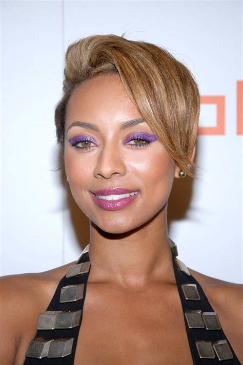 what type of hair does keri hilson have keri hilson wears bright purple eye shadow to a bet awards
