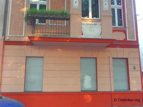 Einbau Elektrischer Rolladen Kosten by Manuell Bedienbare Rolll 228 Den Elektrisch Nachr 252 Sten
