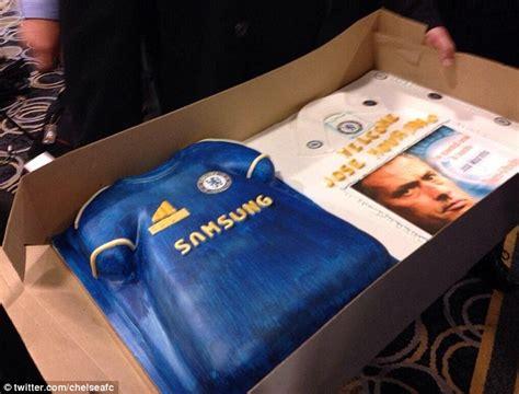 chelsea chions league cake jose mourinho chelsea press conference boss insists he s