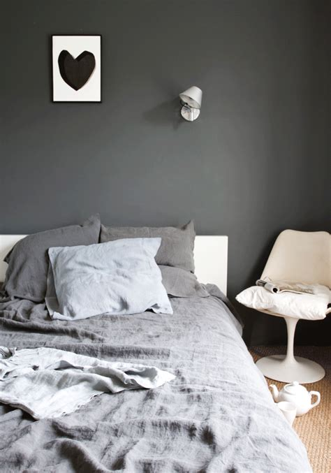 gray wall bedroom decordots grey wall in bedroom