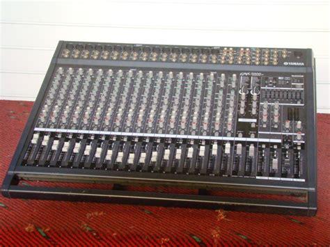 Power Mixer Yamaha Emx5000 yamaha emx5000 20 image 477327 audiofanzine
