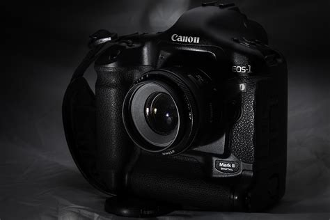 wallpaper kamera canon keren wallpaper canon camera lens black hd picture image