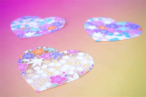 Origami Paper Hearts - crafts a pastel air plant terrarium mirror80
