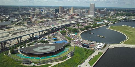 bands on a boat milwaukee world s largest music festival it s summerfest in