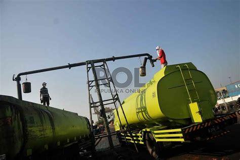 Minyak Kelapa Sawit Mentah kemenperin pabrik bleaching earth topang industri minyak sawit republika