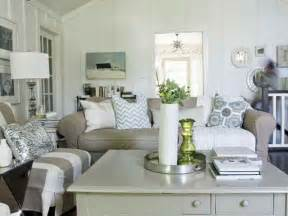 decorating a small cottage bloombety small cottage decorating ideas with table l