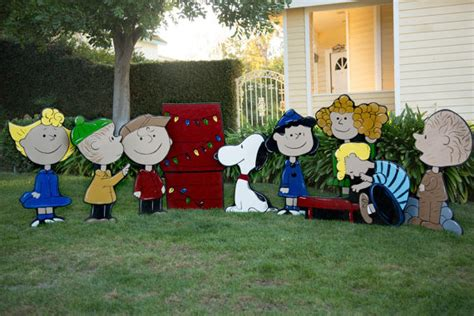 Peanuts Lawn Decorations by Brown Lawn Decorations