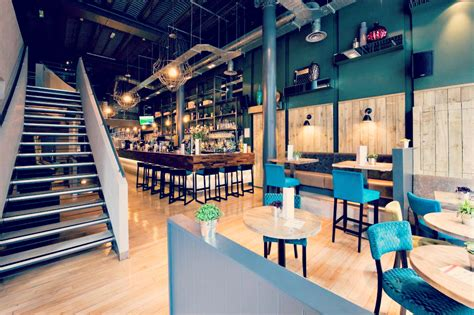 top bars in glasgow strata queen street merchant city glasgow bar reviews