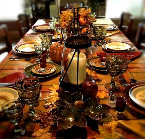 what are thanksgiving colors best thanksgiving color combinations burgundy table setting