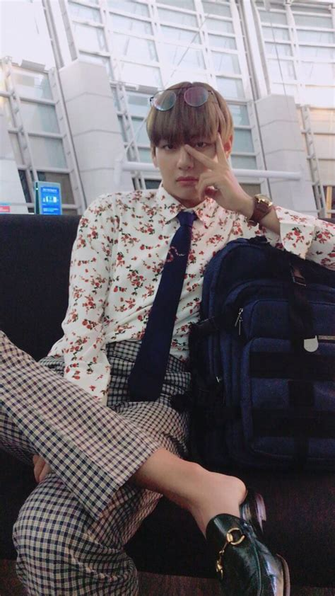 Harga Baju Gucci V Bts 6 idol kpop yang bikin brand brand pakaian jadi laku keras