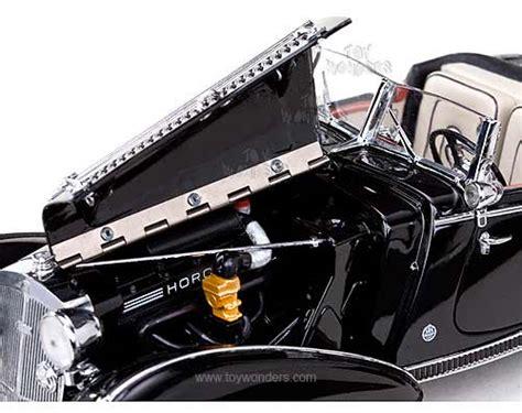Diecast Sunstar 1939 Horch 855 Roadster Green 1 18 Diecast Model Car 1939 horch 855 roadster convertible by sun european 1