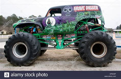 grave digger monster truck wiki image monster truck grave digger museum in poplar branch