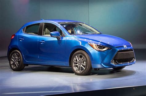 Toyota Yaris 2020 Uk by Toyota Unveils New Mazda 2 Based Yaris Hatchback For Us