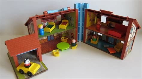 fisher price old doll house vitnage fisher price tudor doll house vintage toy 80 s toy with little people toys