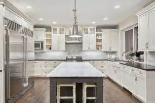 Kitchen cabinet trends for columbia for 2016 the vertical connection