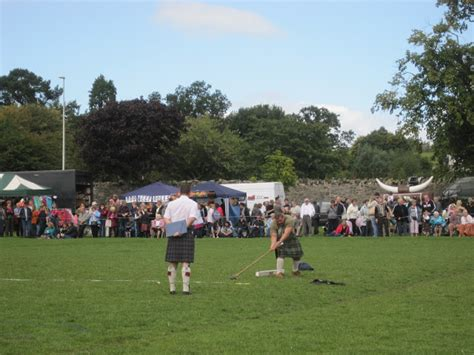 scottish swinging peebles highland games dancing and swinging