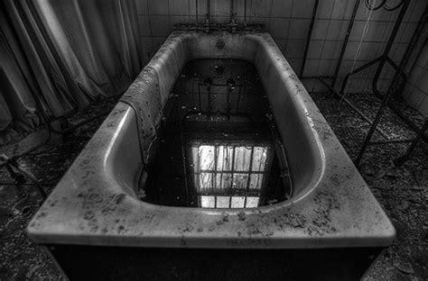 bathtub games bath game ritual creepy pasta video