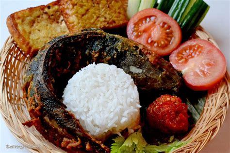 food story menelusuri sejarah pecel lele  mitos