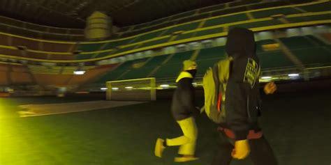 ingresso stadio san siro il di tre persone si intrufolano a san siro di