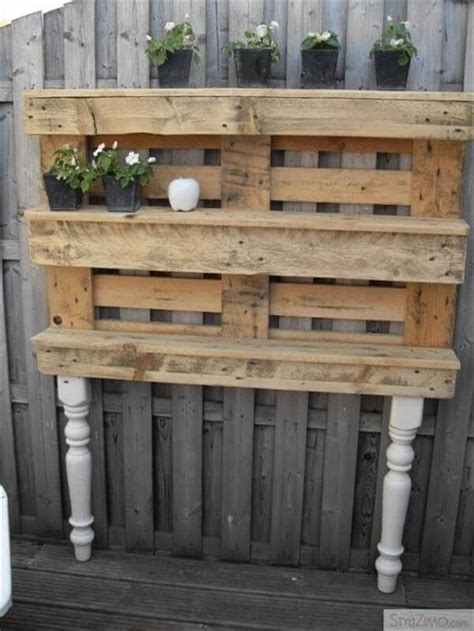 15 ways to use pallets for furniture 99 pallets