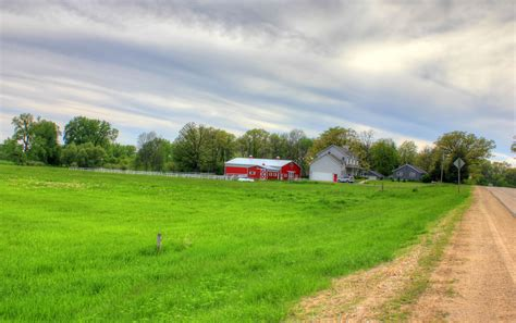 file gfp southern wisconsin farmhouse and barn in the