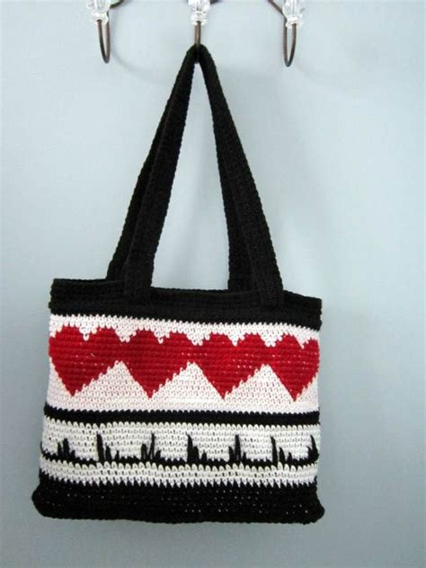 heart tote bag pattern heart throb tote pattern has arrived wolf crochet