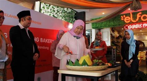Bahan Batu Ambasador bandung ramaikan wisata halal indonesia lifestyle liputan6