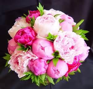 pink peonies 5 of the prettiest spring wedding bouquets ever weddings superweddings com