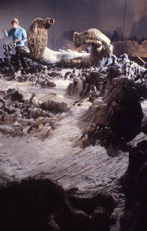 film semi alien amazing rare photos from the set of alien aliens and