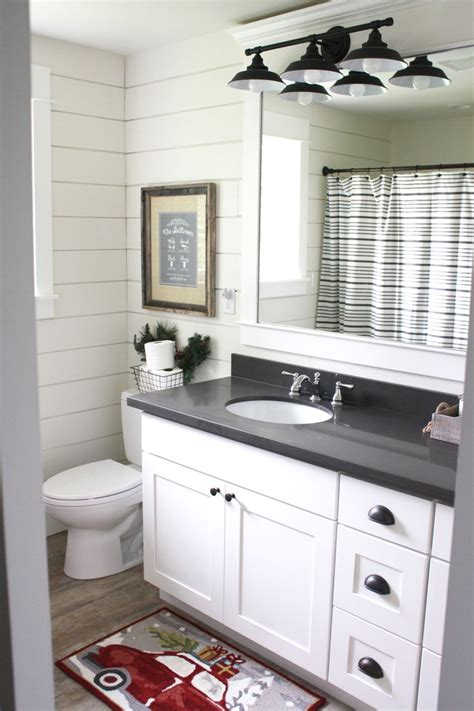 white shaker cabinets with quartz countertops 1000 ideas about white quartz countertops on