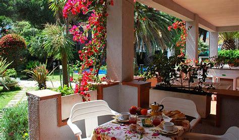 residence dei fiori marina di co holidays flats in marina di co elba residence dei fiori