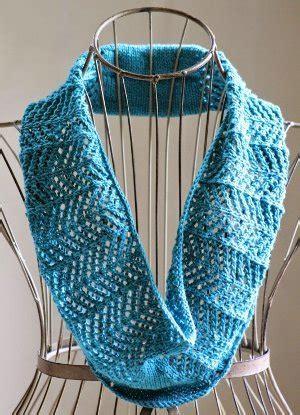 all free knitting cowls lacy arrowhead cowl allfreeknitting
