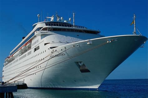 cruise ship pictures