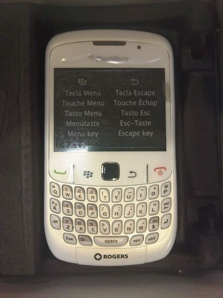 Hp Blackberry 8520 White rogers releases blackberry curve 8520 in white crackberry