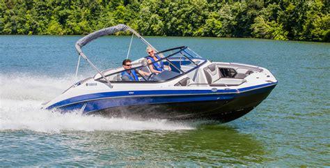 yamaha boats reviews yamaha 212 limited review boat