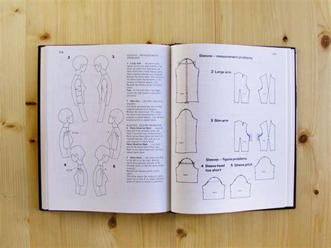 metric pattern cutting en español libros de patronaje betsy costura
