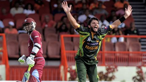 best swing bowling ever shahid afridi dangerous bowling fastest swing bowling