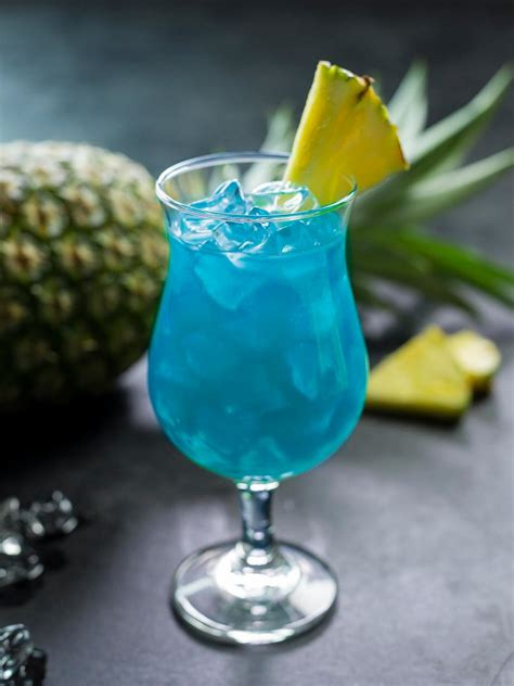 blue hawaiian cocktail a blue hawaiian cocktail diy