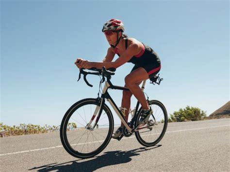 imágenes épicas de ciclismo descubriendo el entrenamiento de low pressure fitness para