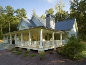 Farm House Porches I Want A Wrap Around Porch Farmhouse Style Homes