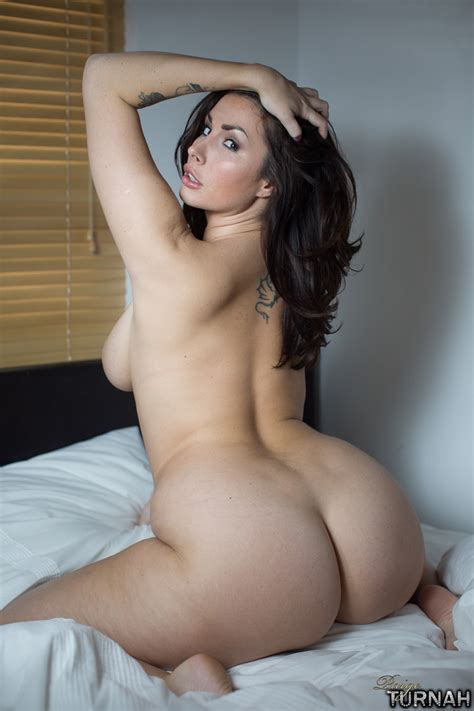 Brunette Milf Pornstar Paige Turnah Wakes Up Nude
