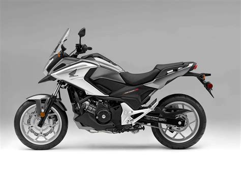 tall motorcycle six great motorcycles for tall riders the drive